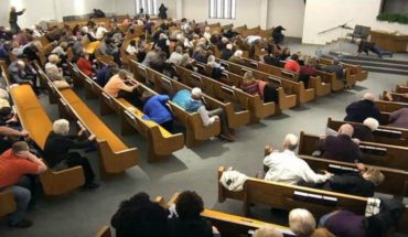 [VIDEO] Parishioners kill a man who opened fire during a mass in America