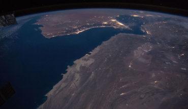 A cara o cruz:  evolución de los precios del petróleo tras el asesinato del general Soleimani. Observación de la costa del Golfo de Omán y el estrecho de Ormuz. Foto: NASA/Tim Kopra (Wikimedia Commons / Dominio público). Blog Elcano