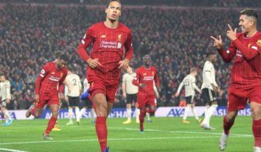 Liverpool vs Manchester United: Van Dijk y Salah se adueñan del Clásico para los Reds