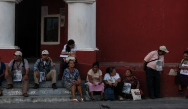 AMLO offers 4,000 jobs and Segob streamlines paperwork for migrants