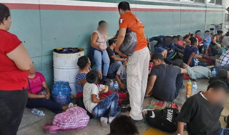 Authorities withhold 402 migrants who crossed Suchiate River