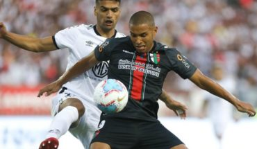 Colo Colo beat Palestinian 3-0 at close of first date
