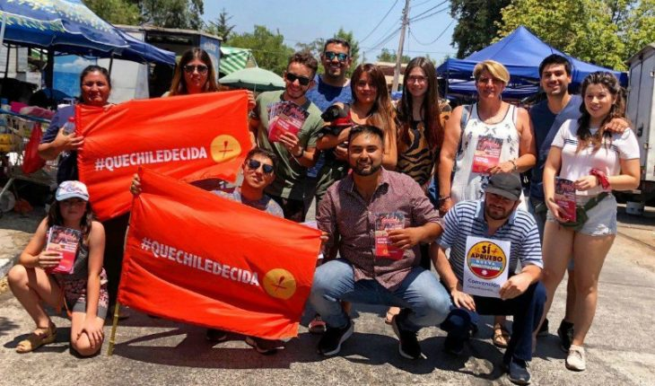 """""""Let Chile Decide"""" together with the Broad Front began campaigning on the ground for a new Constitution"""