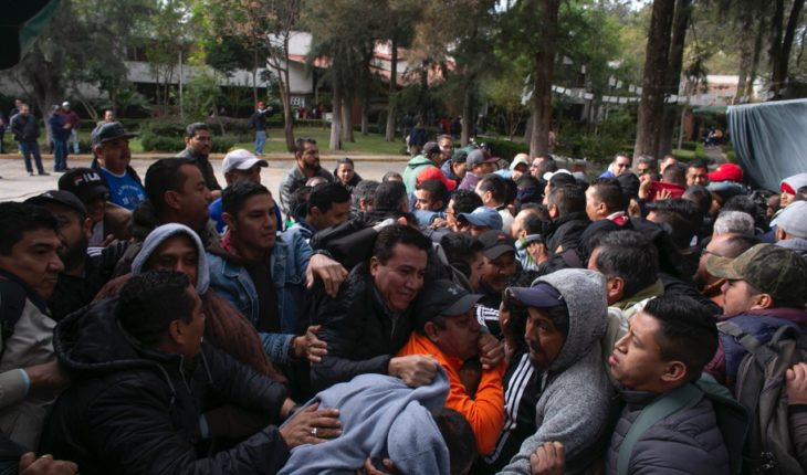 Members of the CNTE Michoacán star in quarrel among themselves in Morelia