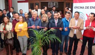 "Pertantia mayor of Ixtlán ""flirts"" with Morena and Cristóbal Arias"