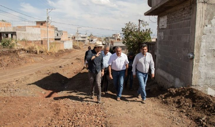 Raúl Morón oversees progress of works to the west of Morelia