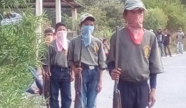 They train children with guns to defend villages in Guerrero