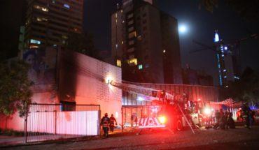 Carabineros dice que testigos acusan a una banda como autores del incendio en el Museo Violeta Parra