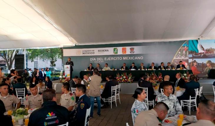 Celebran un año más de la Gran Fuerza de México