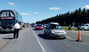 Detienen micro en la Ruta 2 por irregularidades: los choferes manejaban drogados