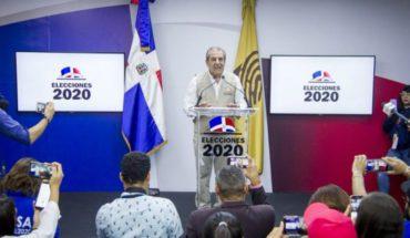 Fallas en sistema automátizado de votación provocan suspención de elecciones municipales en R. Dominicana