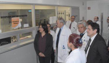 Personal médico del Hospital Juárez se quejó por falta de material durante visita de secretarios