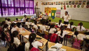 SEP pide a maestras avisar desde el próximo lunes si harán paro