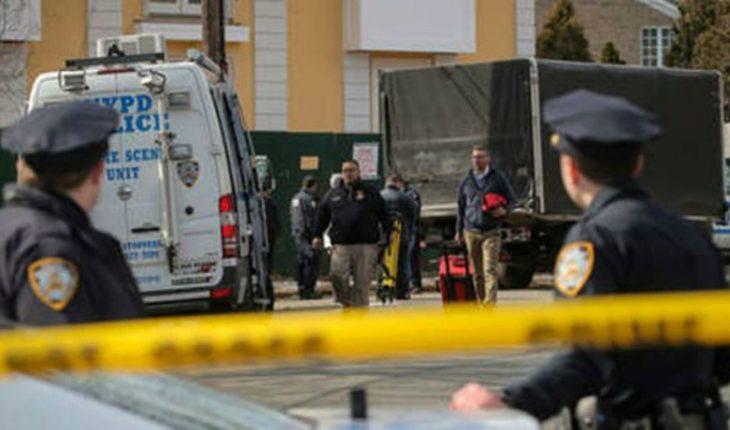 Sujeto entró a comisaría en Nueva York y disparó a mansalva