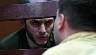 [VIDEO] Bromista arriesga hasta 5 años de cárcel por fingir tener coronavirus en el metro de Moscú
