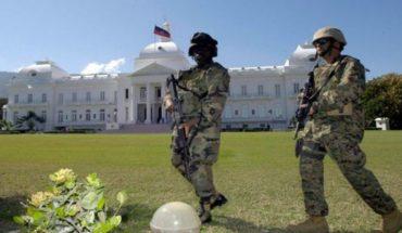 [VIDEO] Soldados se enfrentan a tiros con policías frente al palacio nacional de Haití
