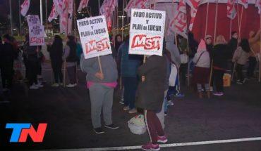 5° paro de la CGT contra la política económica del Gobierno: protesta en el Obelisco