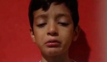 He's eight years old and invested his savings so his mother can see Ricky Martin.