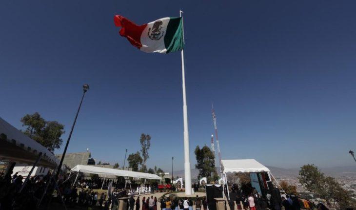 Raúl Morón headlined Flag Day ceremony