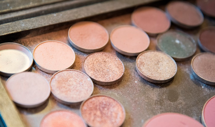 Scientists analyze the composition of the makeup of the Roman era