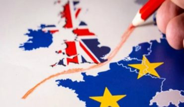 UK starts 'Brexit' and begins its withdrawal from European Union