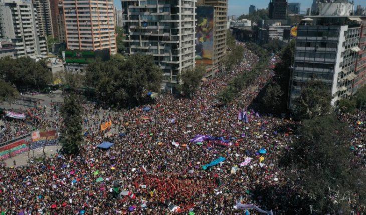 Ante ola de críticas Carabineros salió a aclarar su sistema para contabilizar asistencia a marchas