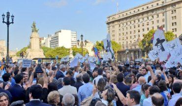 Con manifestación afuera, el Senado debate la intervención a la Justicia jujueña