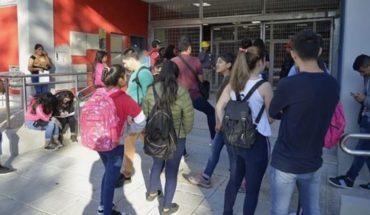 Coronavirus: Cuarentena y alta médica obligatoria para colegios porteños