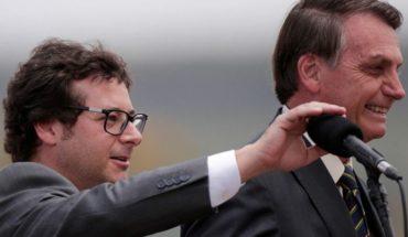 Dio positivo por coronavirus un funcionario de Bolsonaro y le hacen estudios a él