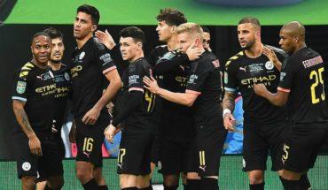 El City y Claudio Bravo se consagran campeones de la Copa de la Liga inglesa