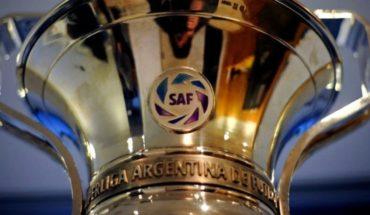 El trofeo de la Superliga no estará con el puntero: irá a La Bombonera