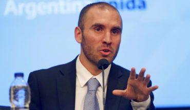 """Gobierno dispone un """"ingreso familiar de emergencia"""" por $10.000"""