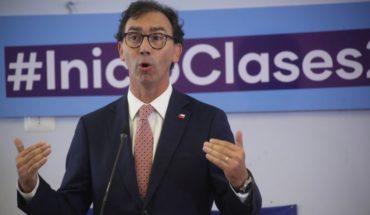 Ministro Figueroa hizo un llamado al Colegio de Profesores para que expliciten la necesidad de que haya clases