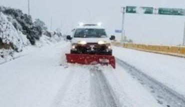 Nevada causa cierre de tramo de La Rumorosa (imágenes)