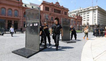 Paro de mujeres: Alberto Fernández pidió retirar las vallas de la Casa Rosada puestas por el 9M