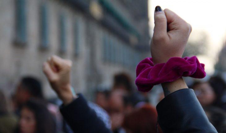 Policías detienen a estudiantes del IPN que protestaban contra violencia