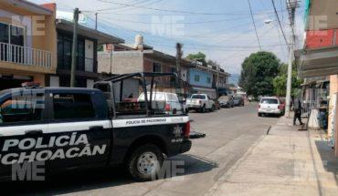 Quitan la vida de un sujeto a balaz0s en una vecindad de Uruapan