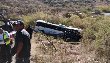 Se accidenta autobús de peregrinos; 3 fallecieron y 41 más resultaron heridos en Tacámbaro, Michoacán