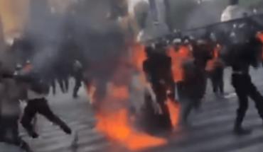 VIDEO VIRAL: Mujer sufre accidente por bomba molotov en marcha feminista
