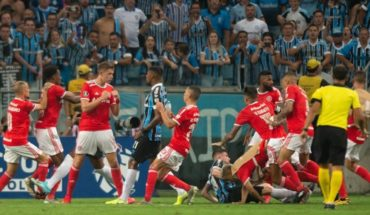 Violento final en Gremio-Inter por Copa Libertadores: batalla campal y 8 jugadores expulsados