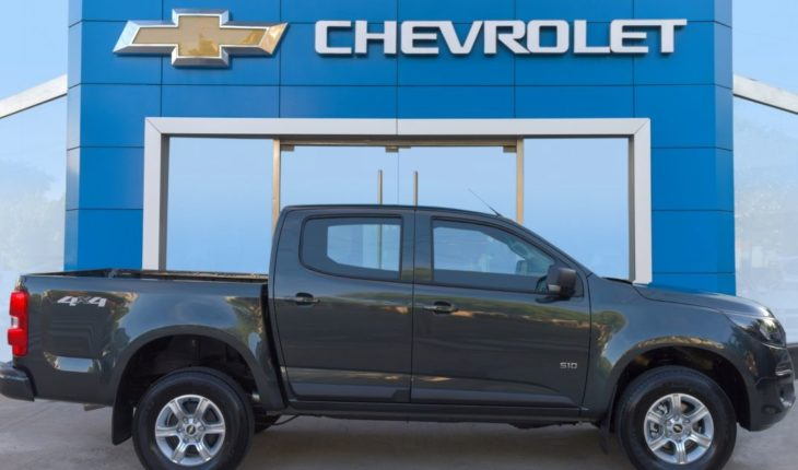 A new Chevrolet S10 version is presented to the public