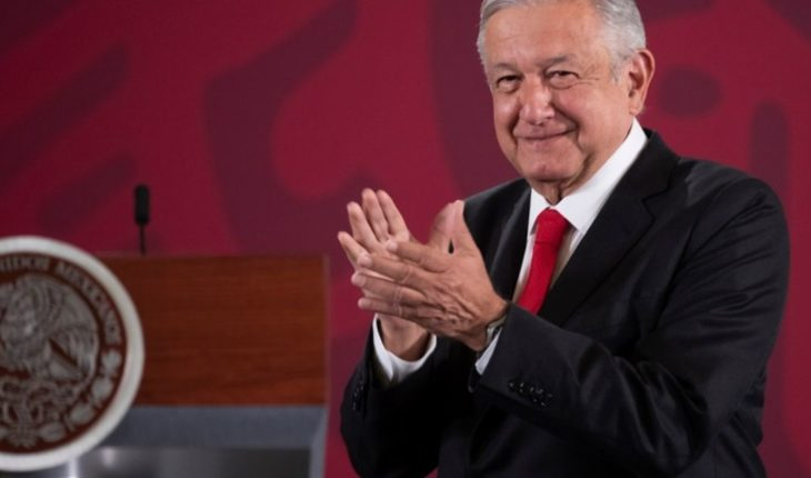 """Go on with your normal life"": the president of Mexico, back in the world"