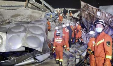 Hotel housing sick people in China collapses, leaving 70 trapped