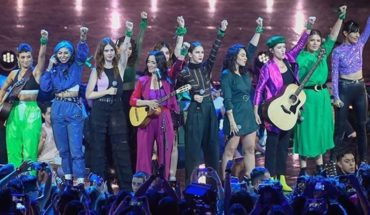 """Julieta Venegas unveiled her feminist chant """"Women,"""" inspired by marches"""