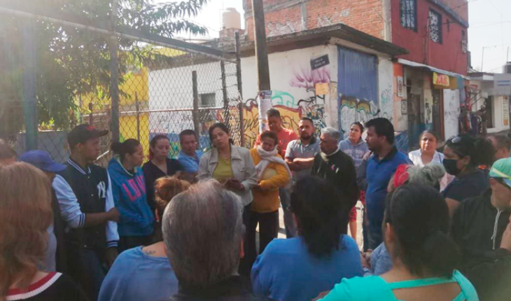 Neighbors of Infonavit La Colina in Morelia, Michoacán were attended by OOAPAS staff