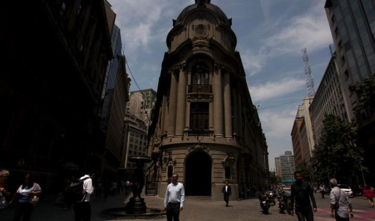 Santiago stock market recorded its biggest fall since 1988 and the dollar hit new all-time high