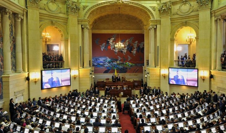 What are the openings of legislative sessions in other countries?