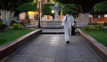 Ante Covid-19 Gobierno de Puruándiro sanitiza espacios públicos