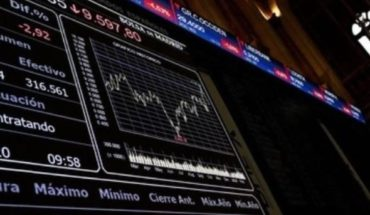 Bolsas europeas abren en baja tras desplome del petróleo