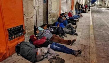Campesinos de Oaxaca esperaron toda la noche en la calle para recibir apoyo federal